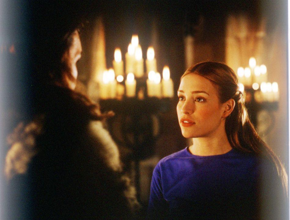 Prinzessin Lunna (Piper Perabo) ist Hüterin eines überaus kostbaren Eies, eines Dracheneies ... - Bildquelle: ApolloMedia