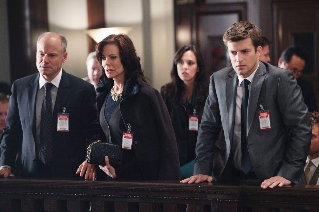 Mitten in der Gerichtsverhandlung hat einer der Geschworenen einen Anfall und stirbt noch im Gerichtssaal. Randolph Addison (Jim Meskimen, l.) und s... - Bildquelle: ABC Studios