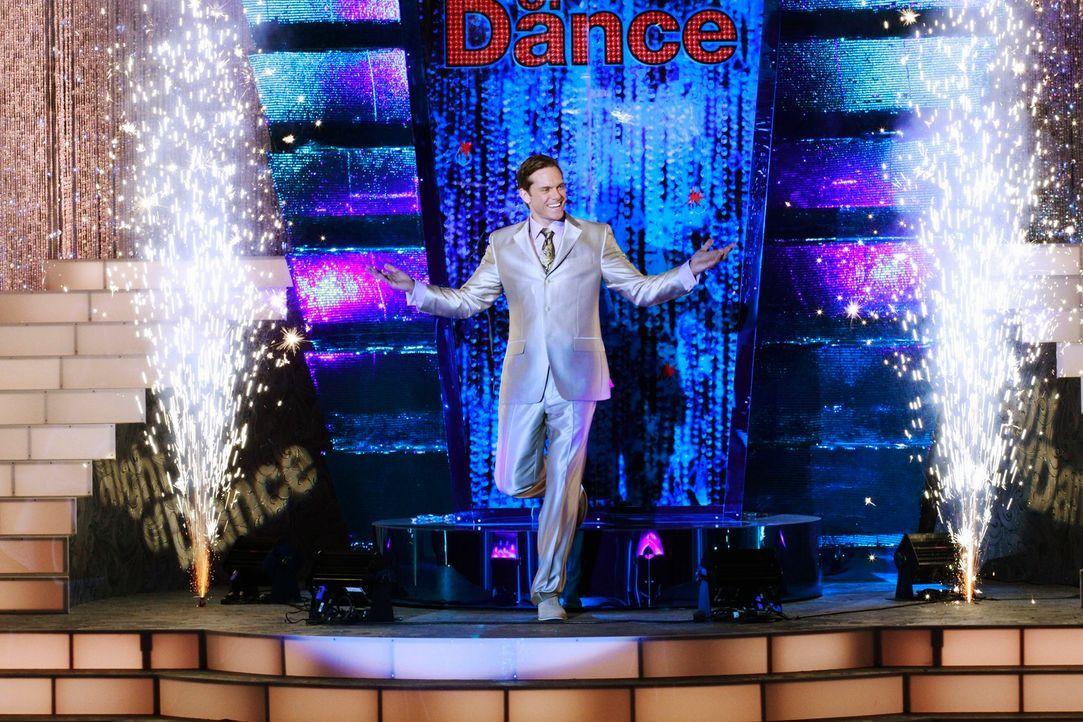"""Das große Finale der Tanzshow """"A Night of Dance"""", die von Brad Melville (Adam Harrington) präsentiert wird, begeistert das Publikum ..."""