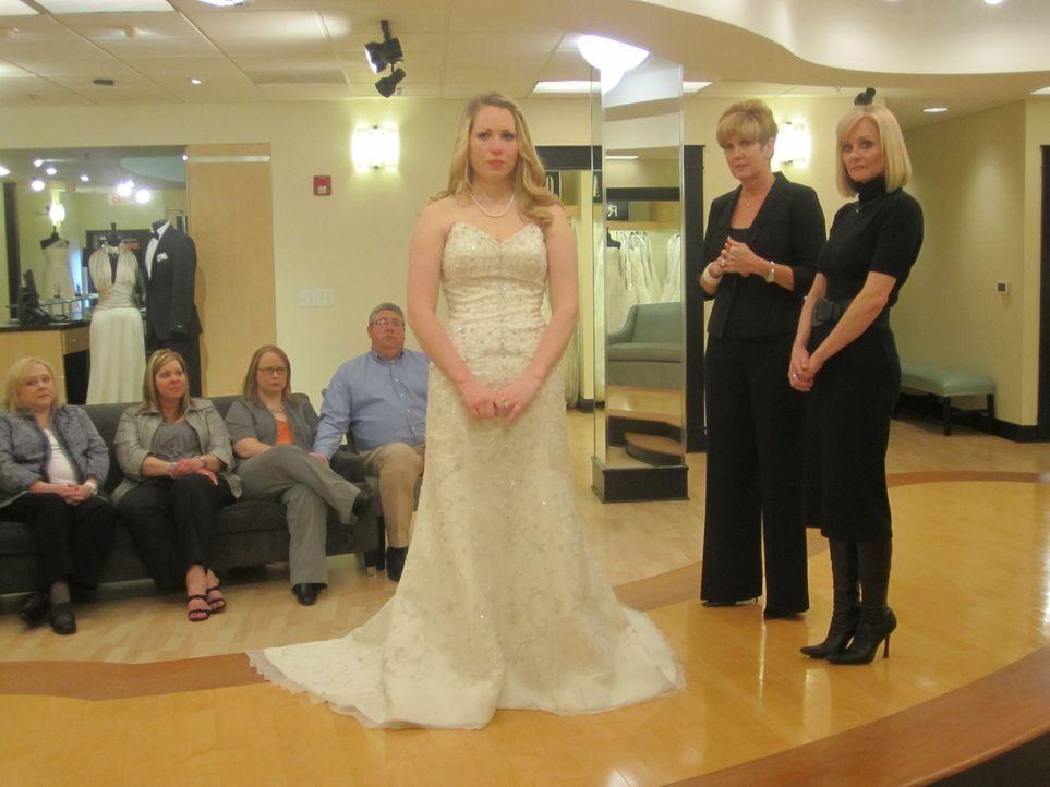 LeighAnn Floyd (M.) ist auf der Suche nach dem perfekten Hochzeitskleid ... - Bildquelle: TLC & Discovery Communications