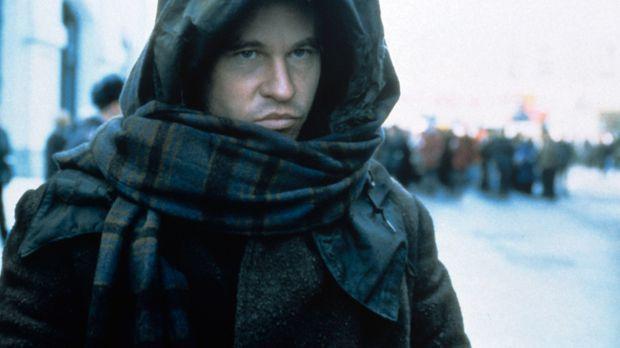 Als Decknamen trägt der intelligente Meisterdieb Simon Templar (Val Kilmer) a...