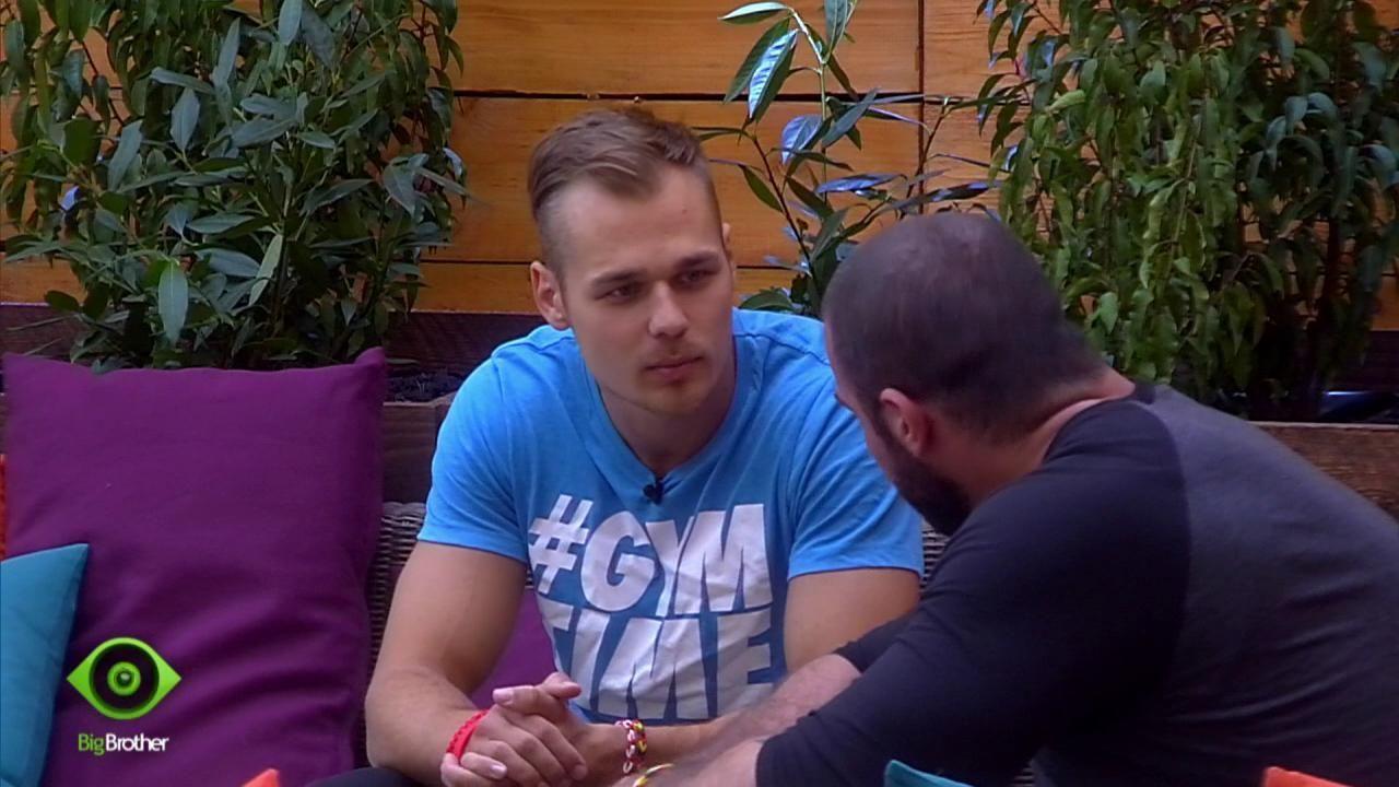 Christian will klären, dass er Manuel nicht nominiert hat - Bildquelle: sixx