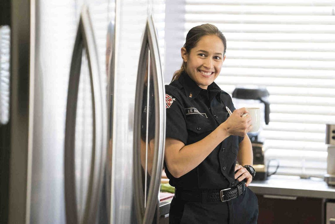 Kann sich Andy (Jaina Lee Ortiz) als Kapitän des Station 19-Teams beweisen? - Bildquelle: Eric McCandless 2018 American Broadcasting Companies, Inc. All rights reserved./Eric McCandless