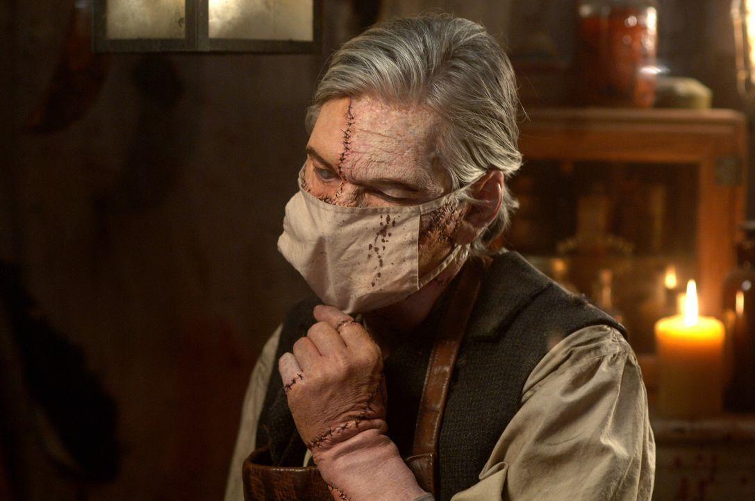 Bei den Ermittlungen eines Zombie-Falls, machen Sam und Dean Bekanntschaft mit Doc Benton (Billy Drago) ... - Bildquelle: Warner Bros. Television