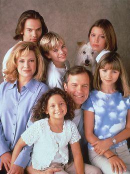 Eine himmlische Familie - (3. Staffel) - Eine himmlische Familie (V. l. Mitte...