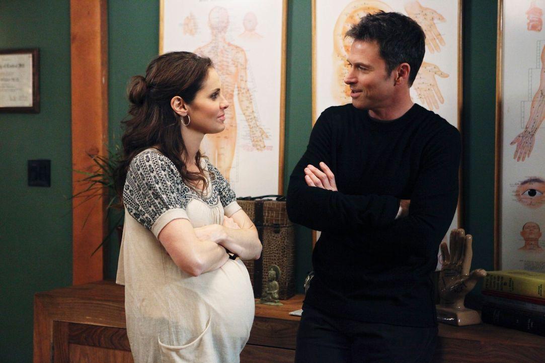 Violet (Amy Brenneman, l.) kommt an den Punkt, an dem sie entscheiden muss, welchen der beiden Männer sie in ihrem Leben haben will - Pete (Tim Daly... - Bildquelle: ABC Studios
