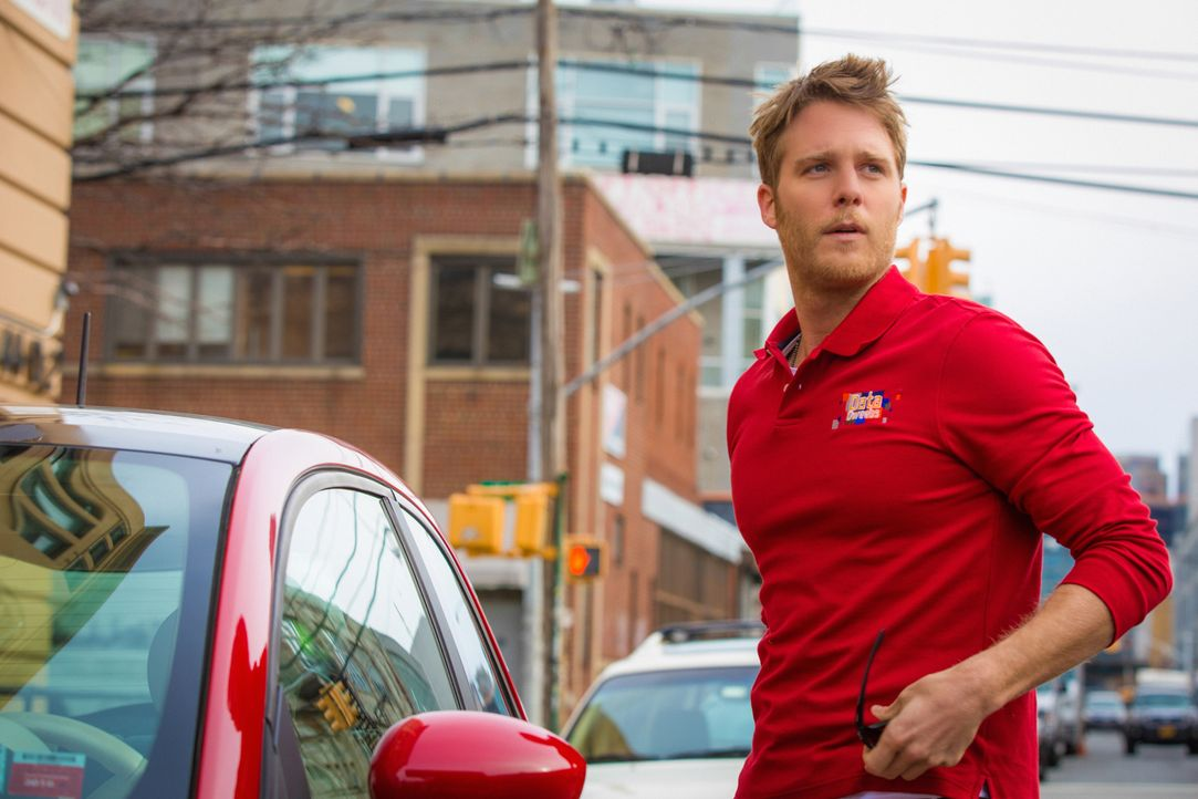 Ein Undercover-Einsatz wartet auf Brian (Jake McDorman) ... - Bildquelle: David M. Russell 2015 CBS Broadcasting, Inc. All Rights Reserved