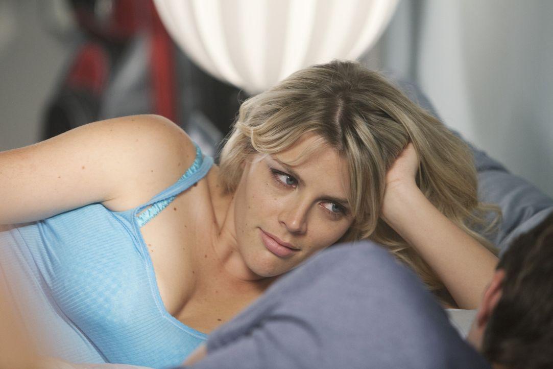 Wieder nur schneller Sex oder vielleicht diesmal etwas mehr? Laurie (Busy Philipps) ... - Bildquelle: 2009 ABC INC.