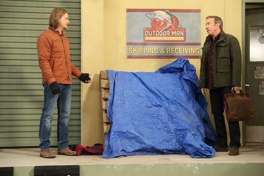 """Dave, ein Obdachloser, der sein Lager hinter """"Outdoor Man"""" aufgesch..."""