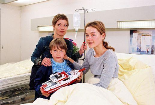 Für alle Fälle Stefanie - Dr. Steins Tochter Jana (Rhea Harder, r.) und ihr s...