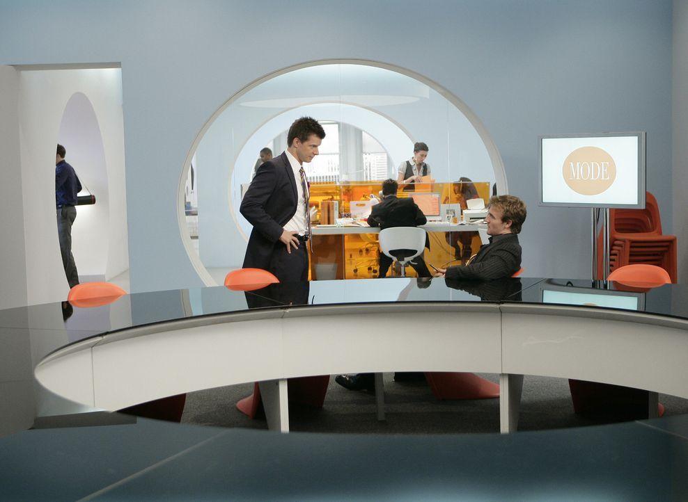 Suchen nach einer Lösung: Daniel (Eric Mabius, l.) und Luke Carnes (James Van Der Beek) ... - Bildquelle: Buena Vista International Television