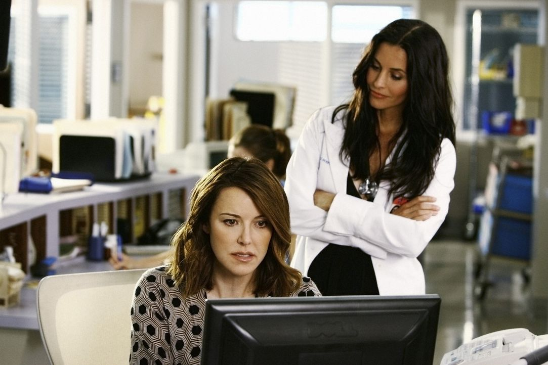 Vertrauen ist gut, Kontrolle ist besser: Jordan (Christa Miller, l.) und Dr. Maddox (Courteney Cox, r.) - Bildquelle: Touchstone Television