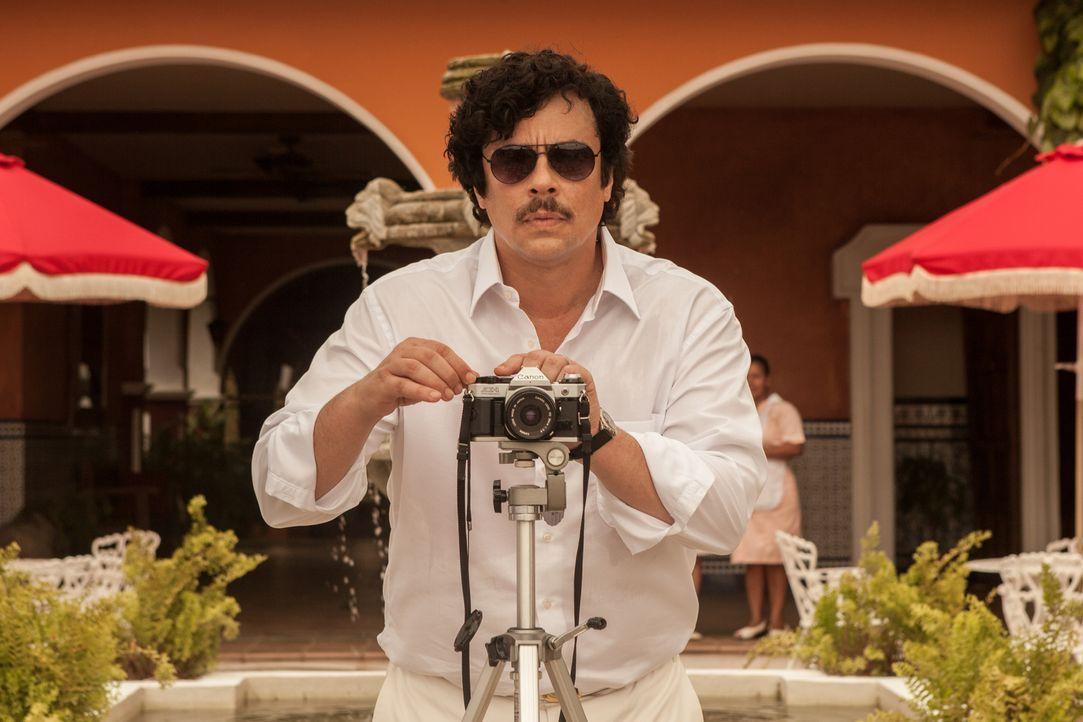Sein Imperium erschafft Pablo Escobar (Benicio Del Toro) mit Feuer und Blut und lässt sich von nichts und niemandem davon abhalten, dieses Imperium... - Bildquelle: 2014 CHAPTER 2 - NORSEAN PLUS - PARADISE LOST FILM A.I.E