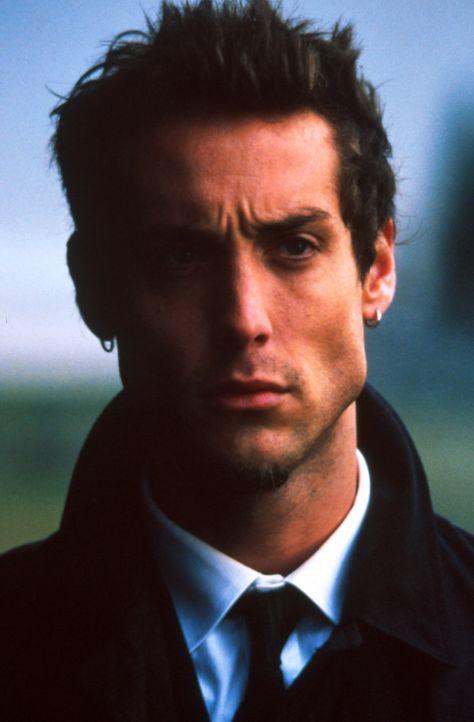 Jack hat in seiner Heimat wenig Freunde, doch er hofft, dass Eddie (Jonny Strong) ihm helfen wird. - Bildquelle: Warner Bros.