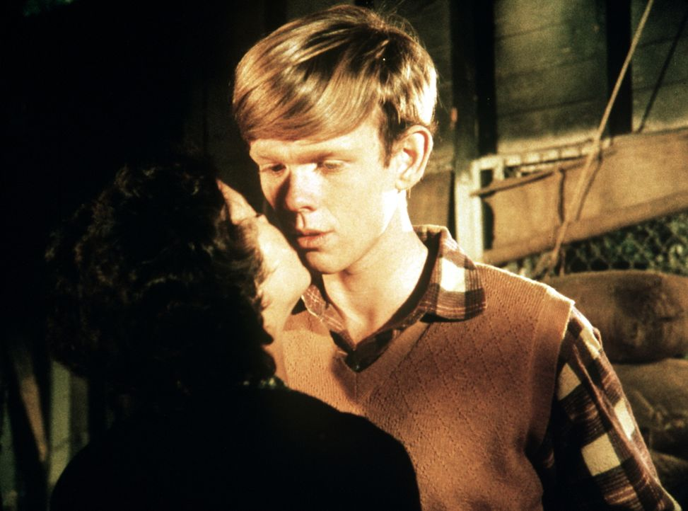 Jason (Jon Walmsley, r.) flirtet heftig mit Sally (Erin Moran, l.). Er weiß nicht, dass sein Bruder Ben in die junge Lady verliebt ist ... - Bildquelle: WARNER BROS. INTERNATIONAL TELEVISION