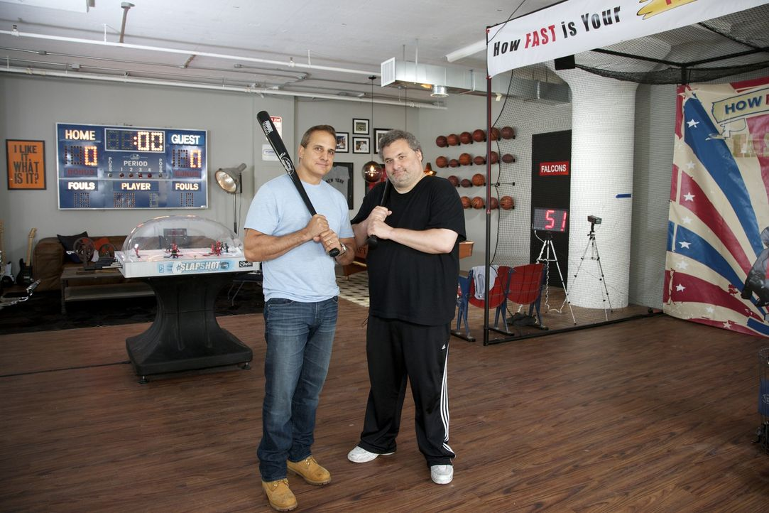 Das Radio- und Fernsehstudio der Nick & Artie-Show soll als ultimative Relax-Zone für sportbegeisterte Komödianten, Schauspieler und natürlich auch... - Bildquelle: Anders Krusberg 2012,DIY Network/Scripps Networks, LLC. All Rights Reserved.