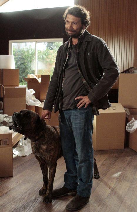 Sheila wird fuchsteufelswild, als in Chatswin ein streunender Hund sein Unwesen treibt. Um das Ansehen der Kleinstadt - und den dortigen Immobilienm... - Bildquelle: Warner Brothers