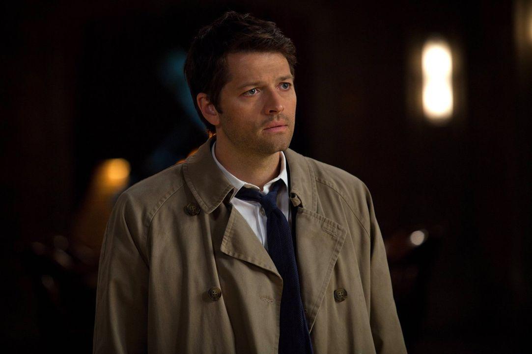 Verzweifelt bittet Cas (Misha Collins) bei Dean um Vergebung, doch dieser ist noch nicht so weit ... - Bildquelle: Warner Bros. Television