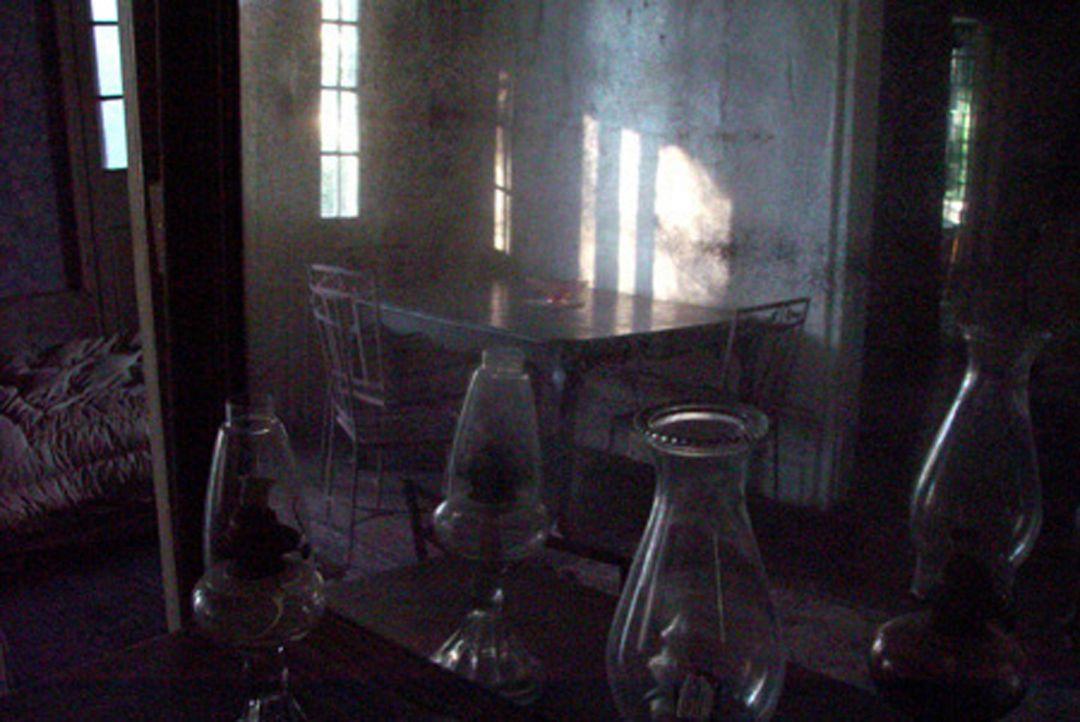 Vor 20 Jahren war das idyllische Häuschen in New Orleans Schauplatz eines brutalen Mordes. Der Soziologie-Student Mark versucht, genauere Informatio... - Bildquelle: HSI Entertainment