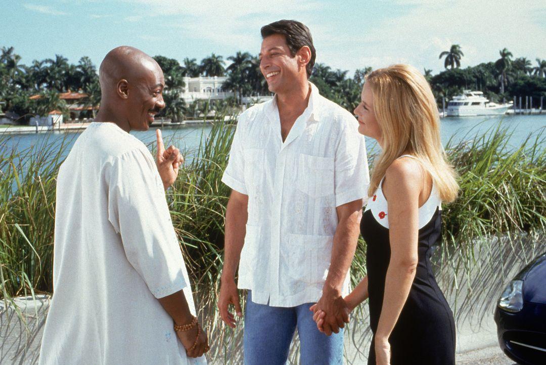 G. (Eddie Murphy, l.) hat auch für Ricky Hayman (Jeff Goldblum, M.) und Kate Newell (Kelly Preston, r.) einen weisen Rat auf Lager ...