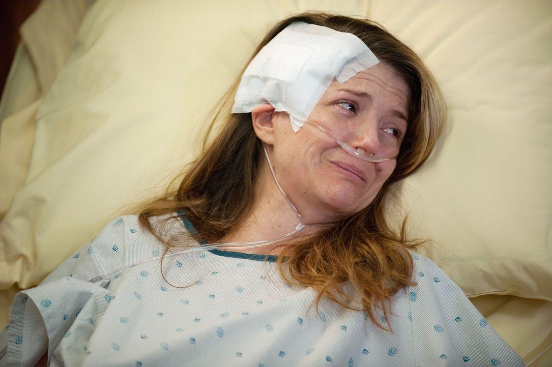 Während der zusammengeschlagene Scott von Pete behandelt wird, geht es Erica (A.J. Langer) sehr schlecht, denn sie hat Metastasen und Amelia gibt ih... - Bildquelle: ABC Studios