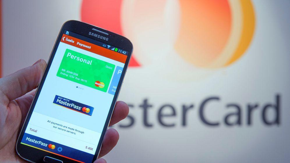 MasterCard mit neuem App-Bezahlsystem - Bildquelle: Mastercard/dpa
