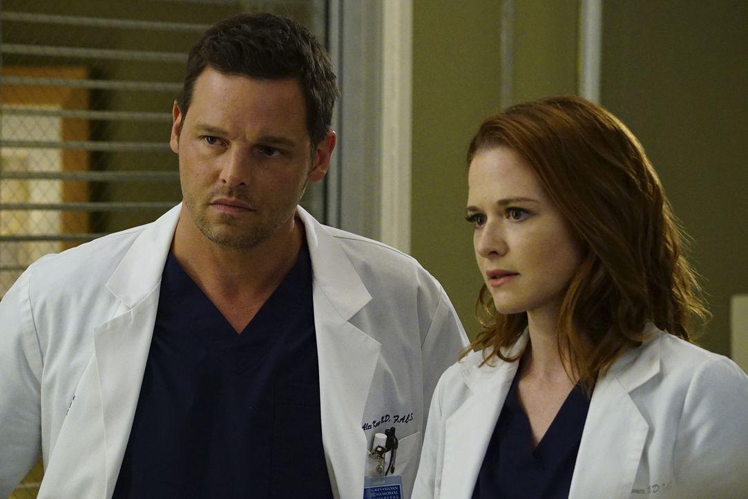 Während sich Alex (Justin Chambers, l.) und April (Sarah Drew, r.) um einen schwangeren Teenager kümmern und sie durch eine medizinische Krise begle... - Bildquelle: Richard Cartwright ABC Studios