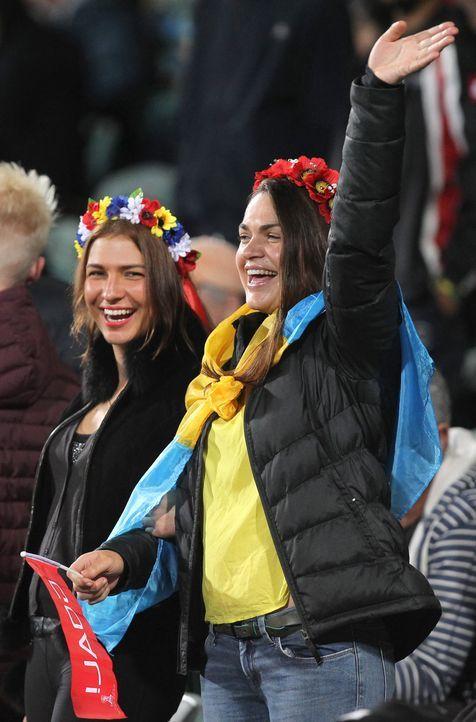 Ukraine_Fans-06-160429-dpa - Bildquelle: dpa