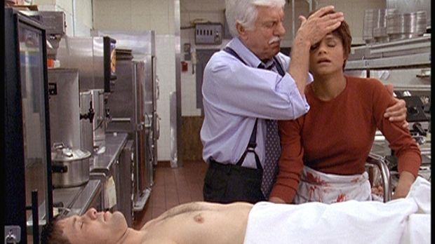 Mark (Dick Van Dyke, M.) stellt fest, dass sich Amanda (Victoria Rowell, r.)...