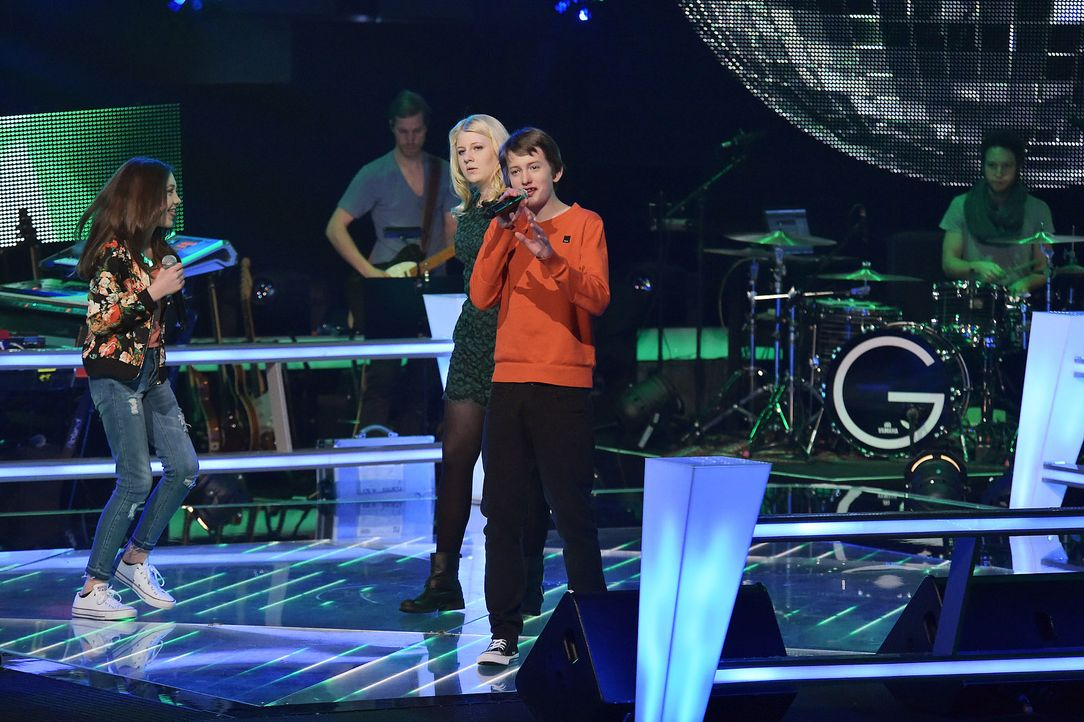 The-Voice-Kids-Stf03-Epi06-Auftritte-16-Rika-Tilman-Paulina-SAT1-Andre-Kowalski - Bildquelle: SAT.1/Andre Kowalski