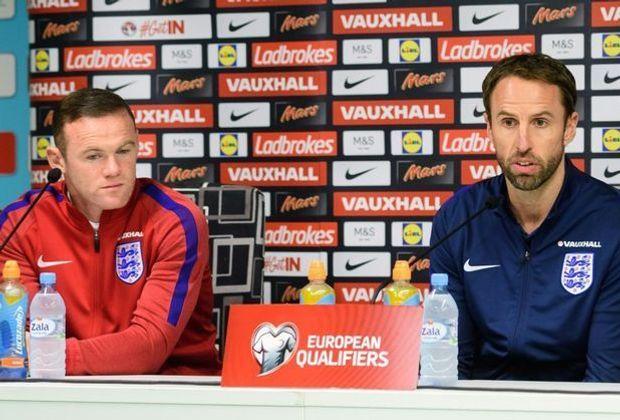 Southgate (r.) stellt klar: Rooney (l.) bleibt Kapitän