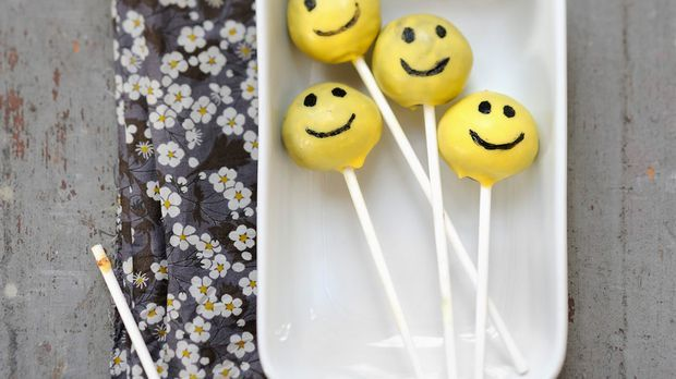 Kleine Smilie Cake Pops