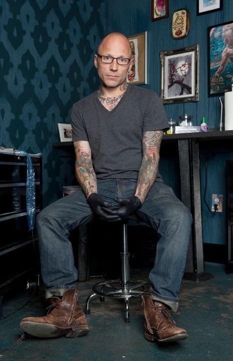 Der Tätowierer Tommy Helm ist ein wahrer Meister in seinem Handwerk. Zusammen mit zwei Kollegen hat er sich darauf spezialisiert, misslungene Tatto... - Bildquelle: 2012 Spike Cable Networks Inc. All Rights Reserved.