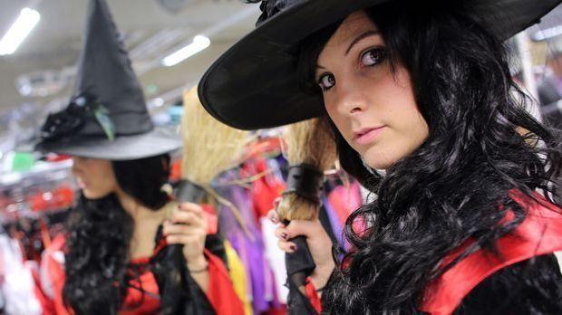Halloween-Kostüm-aus-Alltagskleidung-dpa