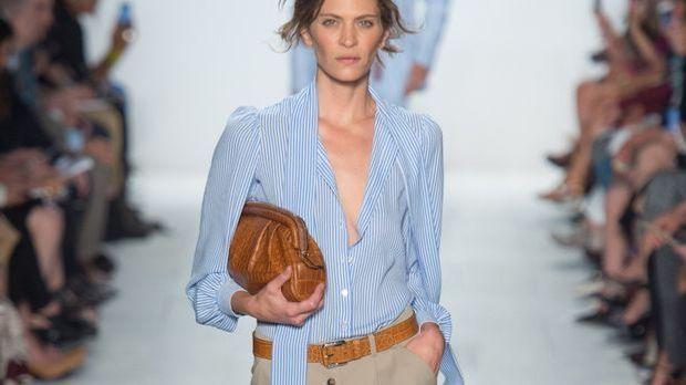 Eton-Hemden sind längst nicht mehr für die Männerwelt bestimmt. Bei Frauen wi...