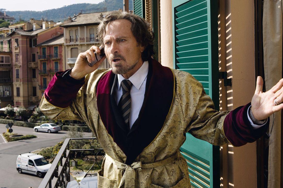 Der ehemalige Mafioso Enrico Puzzo (Franco Nero), der sein Geld mittlerweile als Autor über die Machenschaften der Mafia verdient, ist dem Paten Ma... - Bildquelle: Warner Brothers