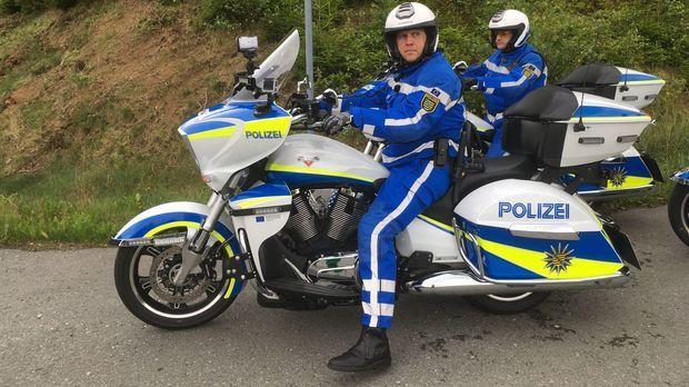 Achtung Kontrolle - Achtung Kontrolle! - Hightech Auf 2 Rädern - Modernste Maschinen Bei Der Polizei