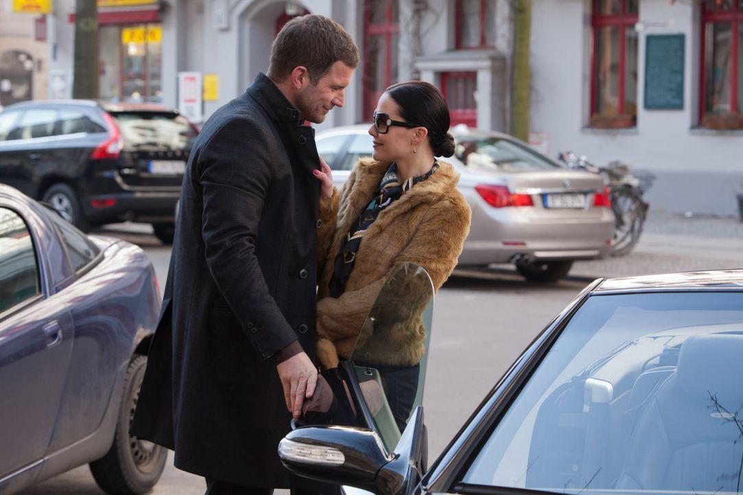 Obwohl David froh sein müsste, nicht länger lügen zu müssen, kann er Tamara (Kristina Dörfer, r.) nicht vergessen. Diese scheint mit ihrem reic... - Bildquelle: Conny Klein SAT.1