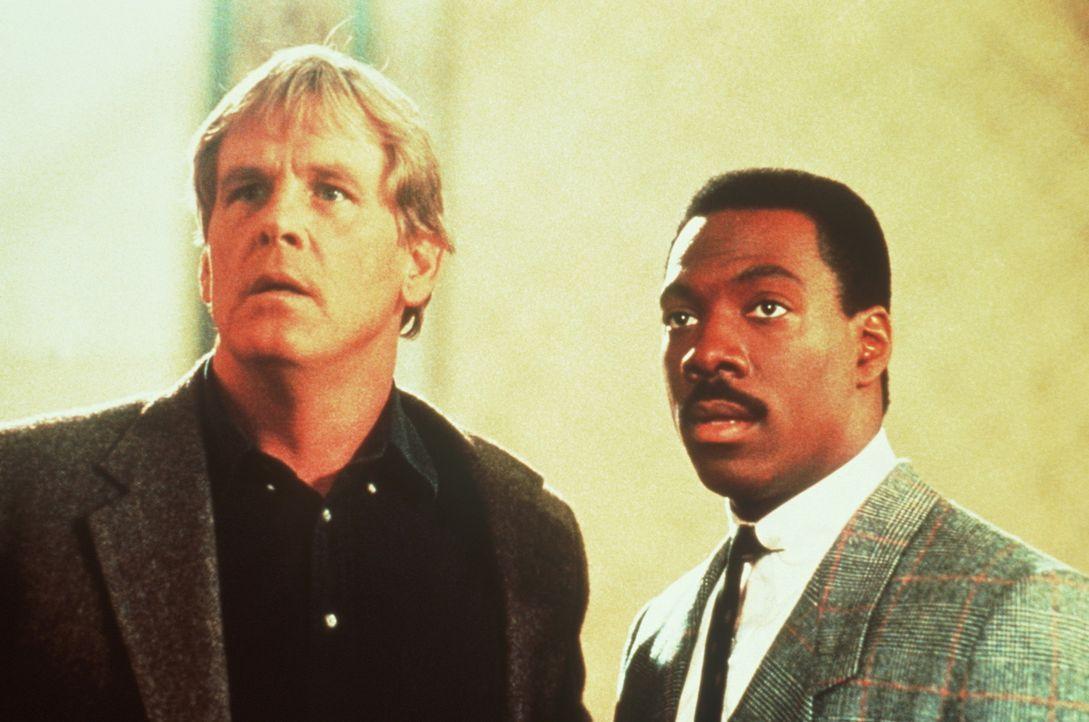 Im Zuge seiner Ermittlungen gegen den mysteriösen Drogenkönig Iceman erschießt Jack (Nick Nolte, l.) einen von dessen Gehilfen. Doch jetzt droht... - Bildquelle: Paramount Pictures