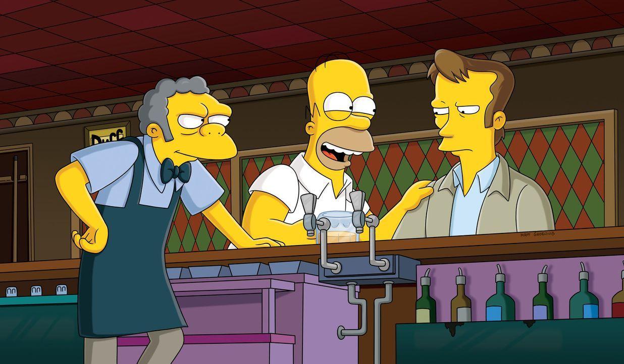 Homer (M.) versucht krampfhaft, sich mit seinem coolen neuen Kollegen, dem Sicherheitsmann Wayne (r.), anzufreunden. Der ist allerdings äußerst zu... - Bildquelle: und TM Twentieth Century Fox Film Corporation - Alle Rechte vorbehalten