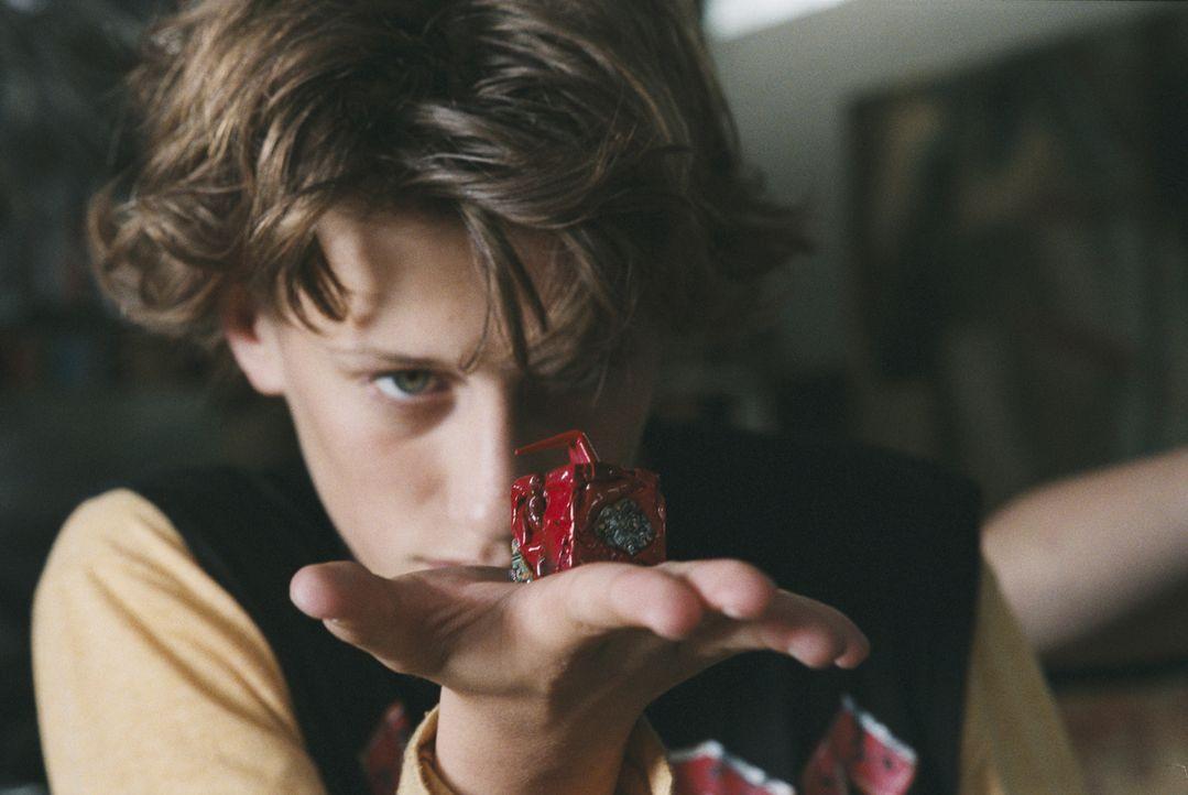 Sid (Jean-Baptiste Maunier) hat sich unsterblich in seine neue Klassenkameradin verliebt. Doch er hat ein Problem: Er hat so wenig Geld, dass er sic... - Bildquelle: Tiberius Film GmbH & Co KG