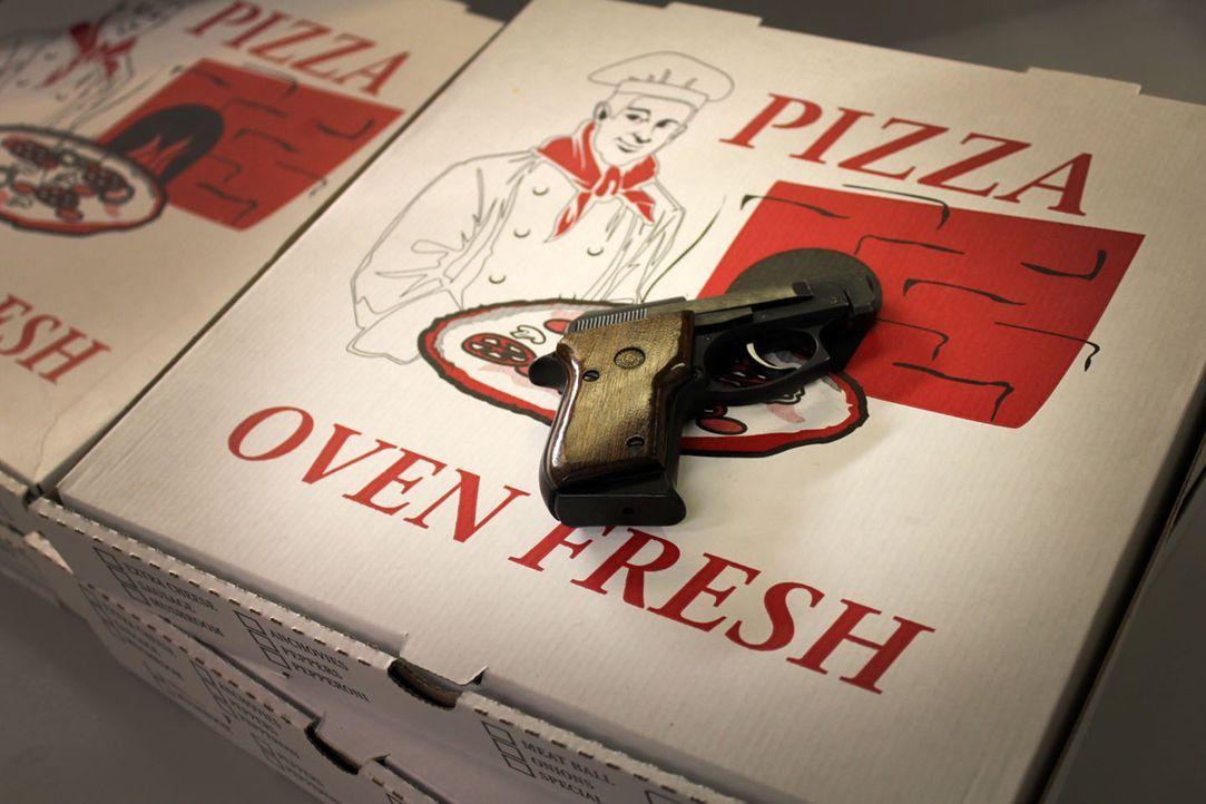 Nachdem er vom Chef einer Pizza Kette nicht die Aufmerksamkeit bekommen hat, die er sich vorstellte, will Mitchell Sims an allen Mitarbeitern der Ke... - Bildquelle: M2 Pictures