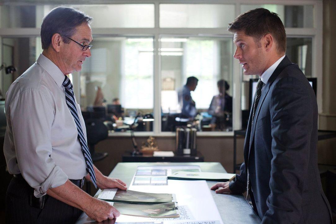 Die neuesten Vorkommnisse stellen Detektive Pike (Alan Ackles, l.) vor ein Rätsel, doch auch Dean (Jensen Ackles, r.) ahnt noch nicht, mit welchen M... - Bildquelle: Warner Bros. Television