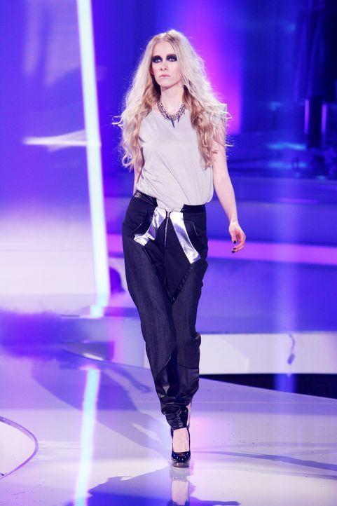 Fashion-Hero-Epi02-Gewinneroutfits-Jale-Jila-Pashottan-01-ASOS-Richard-Huebner - Bildquelle: ProSieben / Richard Huebner