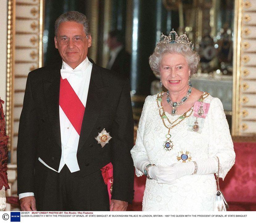Queen Elizabeth II (r.) mit dem brasilianischen Präsidenten beim Staatsbankett im Buckingham Palast 1997 ... - Bildquelle: Tim Rooke / Rex Features INFINITY VIDEO LTD