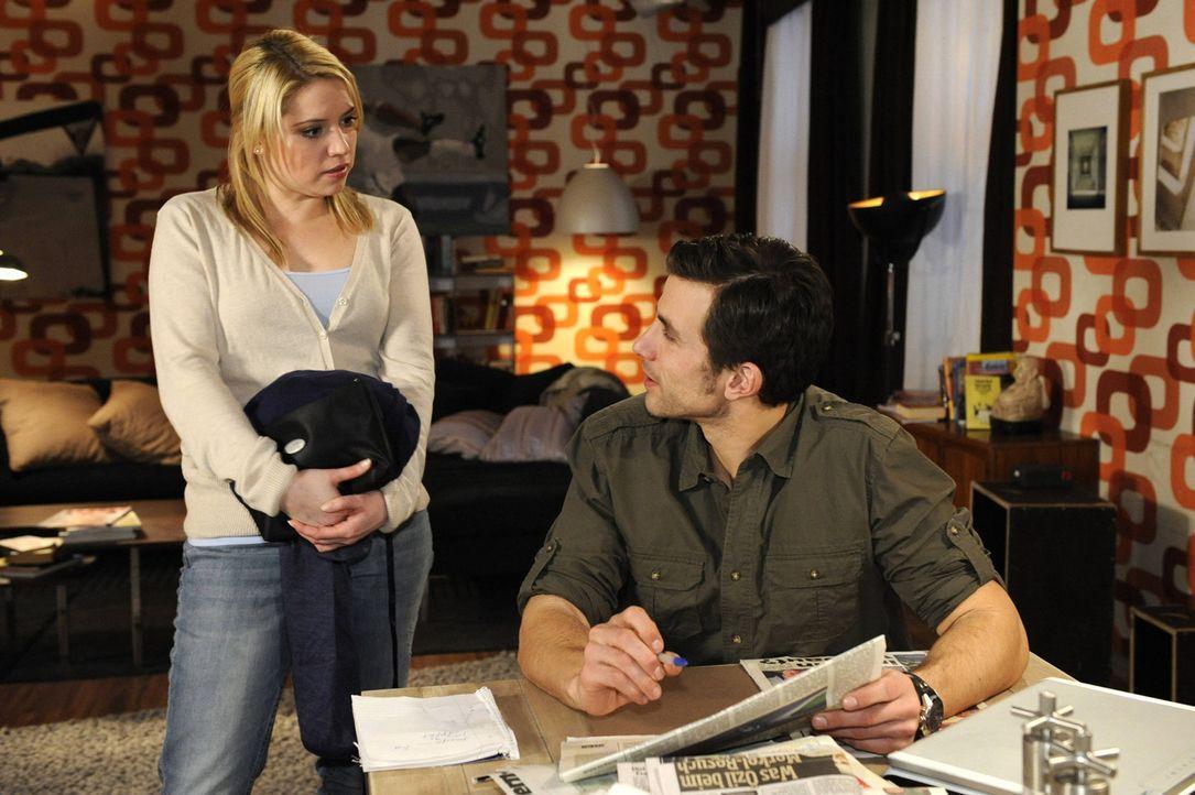Michael (Andreas Jancke, r.) erfährt, dass auch Miriam (Caroline NMaria Frier, l.) einmal Zweifel an Beas Unschuld hatte ... - Bildquelle: SAT.1