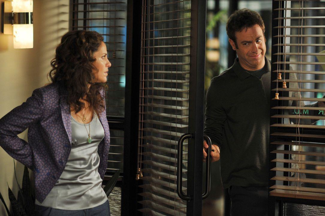 Die Freundschaft zwischen Violet (Amy Brenneman, l.) und Cooper (Paul Adelstein, r.) steht auf der Kippe ... - Bildquelle: ABC Studios