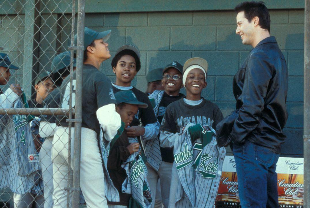 Wer hätte es gedacht - schon bald findet Conor (Keanu Reeves) allergrößtes Vergnügen und sogar Erfüllung in dem Job ... - Bildquelle: Paramount Pictures