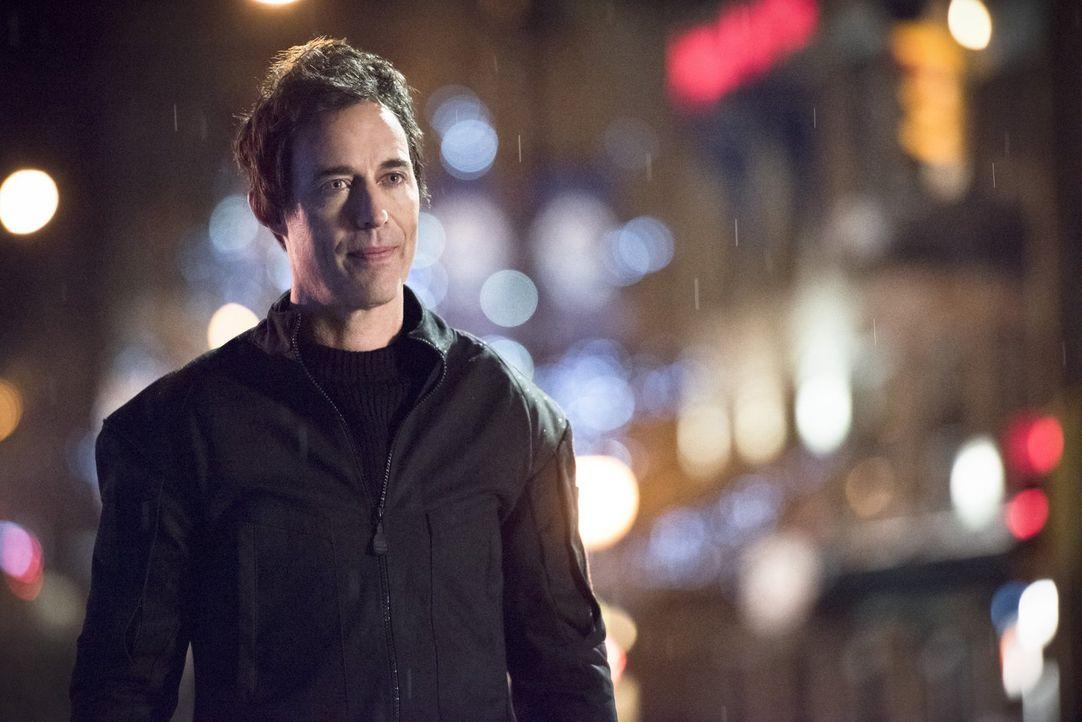 Harrison Wells (Tom Cavanagh) gewinnt erneut die Oberhand und zwingt Barry und seine Freunde zu einem drastischen Schritt, der gehörig schief geht .... - Bildquelle: Warner Brothers.