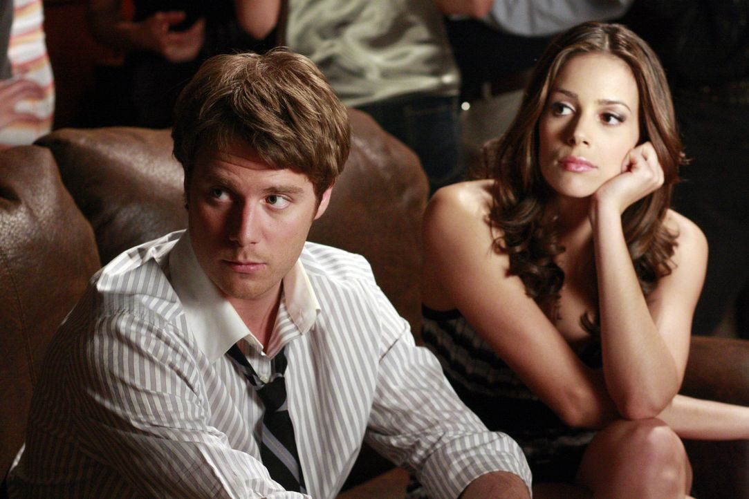 Beobachten Casey wie sie mit Ryan flirtet: Evan (Jake McDorman, l.) und Frannie (Tiffany Dupont, r.) ... - Bildquelle: ABC Family